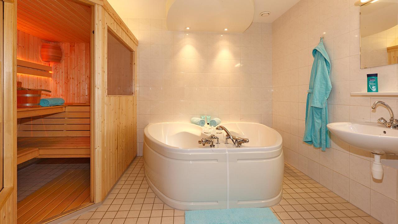Luxe10-12 persoonsvakantiehuis met sauna